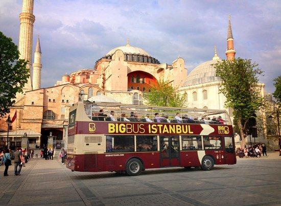 رحلة الباص السياحي في اسطنبول